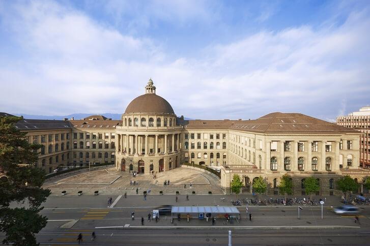 Cloud, Machine Learning, Security – Chancen und Risiken für die Schweiz?